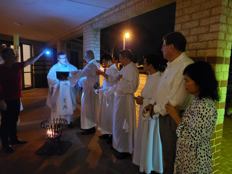 Sat Easter Vigil